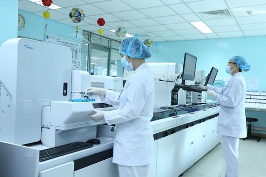 Bệnh viện ĐH Y Dược triển khai hệ thống xét nghiệm mới - Ảnh 1.