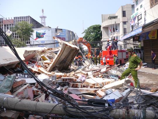 Hiện trường vụ sập nhà