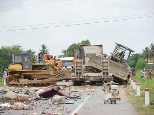 Vụ TNGT làm 5 người chết: Một nạn nhân bị liệt tứ chi, dập tủy - Ảnh 3.