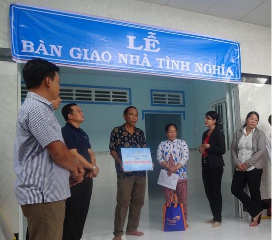 Công ty Cổ phần Ma San PQ trao tặng nhà tình nghĩa - Ảnh 1.