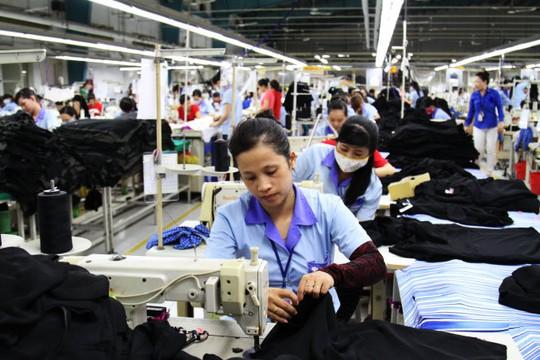 Giảm lương hưu của lao động nữ: Món quà đắng chát cho ngày 20-10 - Ảnh 1.