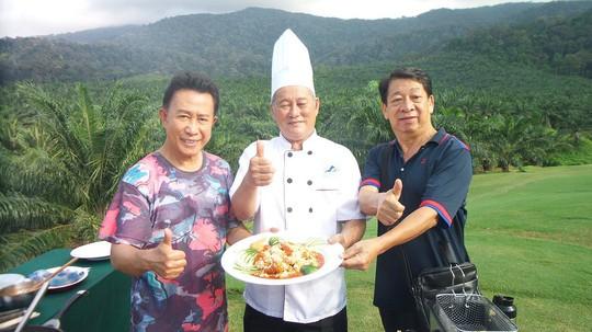 Yan can cook hồ hởi trở lại Việt Nam - Ảnh 1.