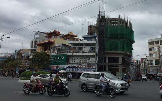 Trúng đấu giá nhà - đất nhưng gặp rắc rối khi tiến hành xây nhà