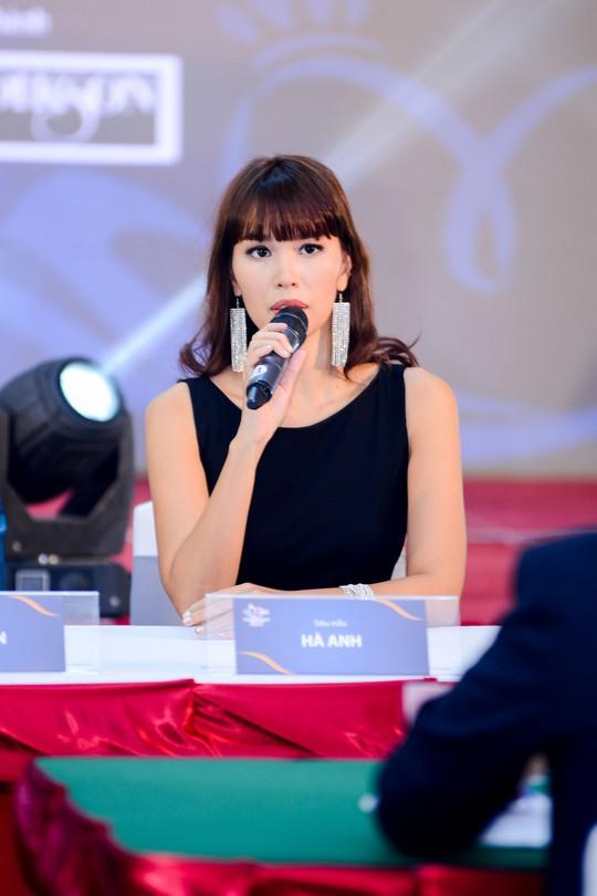 Siêu mẫu Hà Anh - thành viên ban tuyển chọn thí sinh cuộc thi Hoa hậu hữu nghị ASEAN 2017