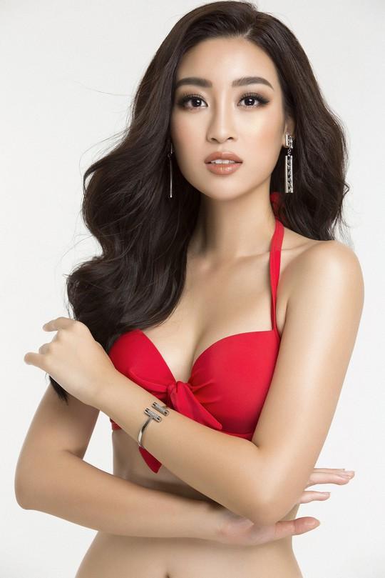 Đỗ Mỹ Linh khoe trọn đường cong với bikini - Ảnh 2.