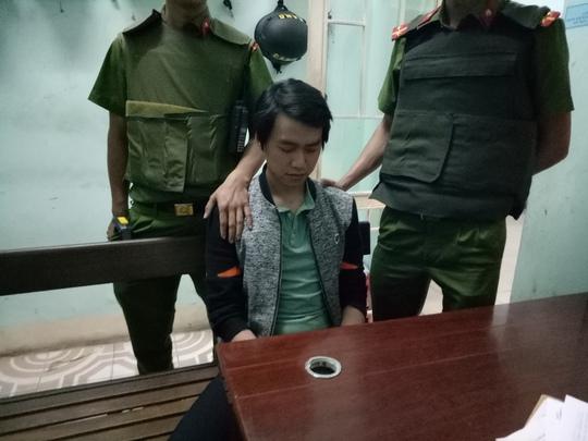 Phan Văn Hoàng tại trụ sở công an