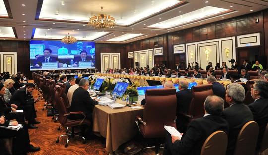 Hội nghị liên Bộ trưởng Ngoại giao - Kinh tế kéo dài hơn dự kiến - Ảnh 1.
