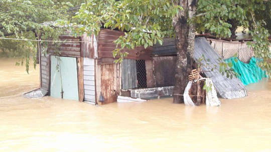Đà Nẵng- Quảng Trị: Hàng ngàn nhà dân còn ngập sâu trong nước - Ảnh 5.