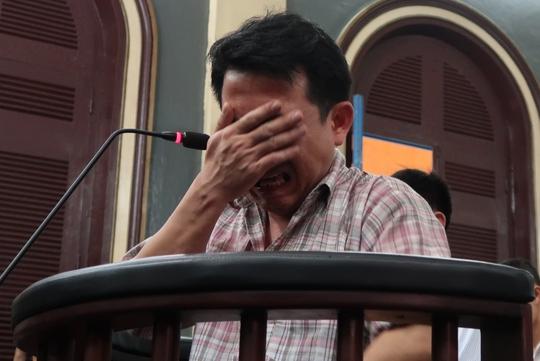 Khóc lóc làm gì, xấu hổ lắm ông Nguyễn Minh Hùng! - Ảnh 1.