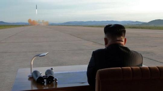 Triều Tiên muốn có lực lượng quân sự ngang bằng Mỹ - Ảnh 1.