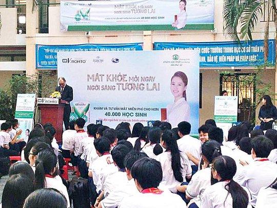 Trường Trần Phú là nơi được chương trình đến thăm khám đầu tiên vào ngày 6-3