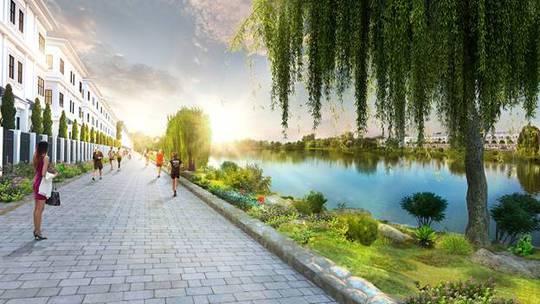 Hồ cảnh quan 3,6 ha ngay giữa trung tâm giúp bầu không khí trở nên trong lành, mát mẻ, mang lại những lợi ích sức khỏe lâu dài