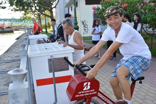 Người dân đánh giá cao ý nghĩa cộng đồng của dự án xe đạp lọc nước