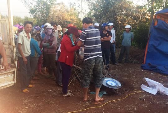 Giếng nước nơi phát hiện thi thể nạn nhân