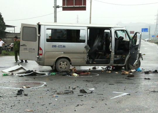 Chiếc xe gặp nạn đang đên đường đi đám cưới khiến 3 ngưởi chết và nhiều người bị thương