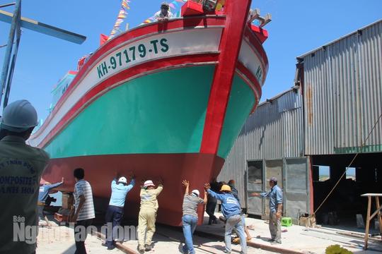 Đột kích 1 nhà máy đóng tàu composite lớn nhất nước - Ảnh 18.