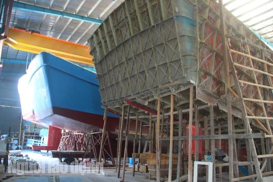 Đột kích 1 nhà máy đóng tàu composite lớn nhất nước - Ảnh 17.