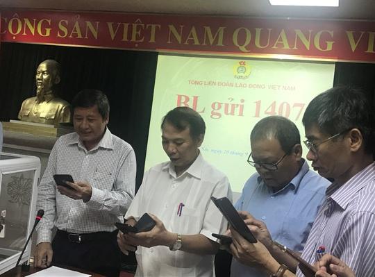Tổng LĐLĐ Việt Nam kêu gọi ủng hộ đồng bào miền Trung - Ảnh 2.