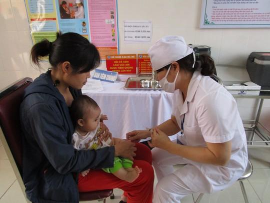 Trẻ nhỏ sẽ được quản lý lịch tiêm chủng bằng hệ thống điện tử
