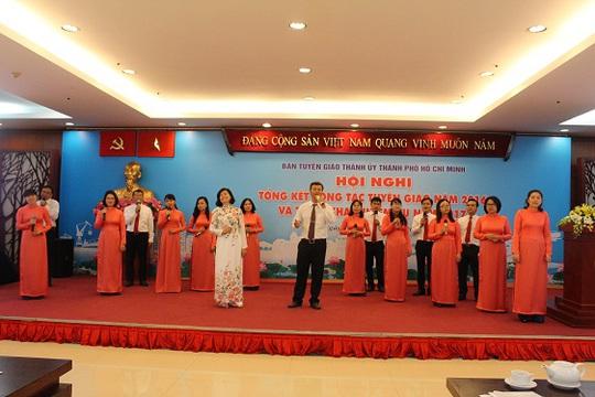 Tiết mục văn nghệ của Ban Tuyên giáo Thành ủy tại hội nghị ngày 12-1. Ảnh: Bảo Ngọc