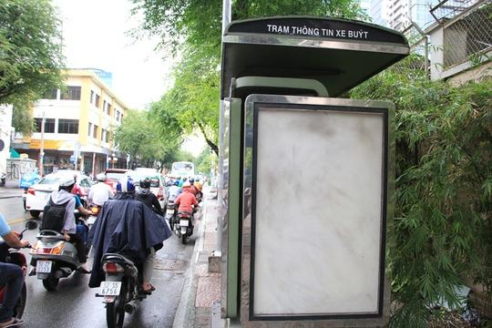Toàn cảnh hoang phế của trạm thông tin xe buýt, du lịch - Ảnh 7.