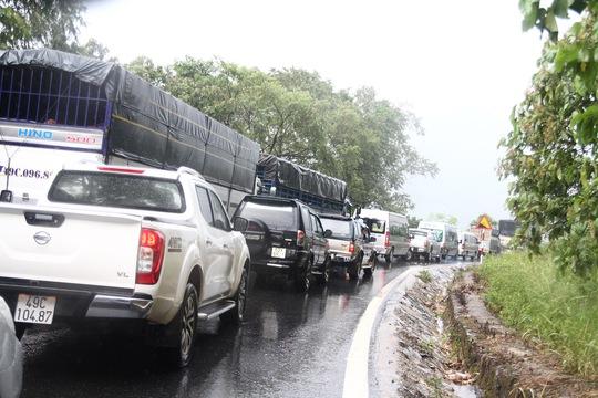 Tai nạn liên hoàn trên đèo Bảo Lộc - Ảnh 2.