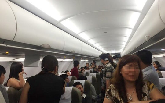 3 nữ hành khách bị quấy rối trên chuyến bay TP HCM-Hà Nội - Ảnh 1.