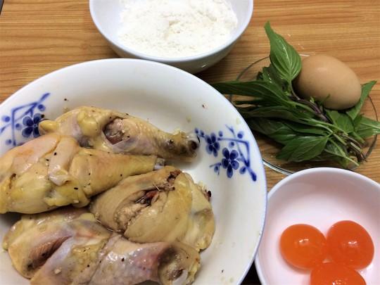 Nguyên liệu cho món đùi gà sốt trứng muối