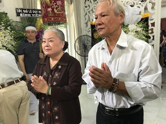 NSƯT Thanh Nguyệt, NS Quỗc Nhĩ thắp hương tiễn biệt NSƯT Thanh Sang