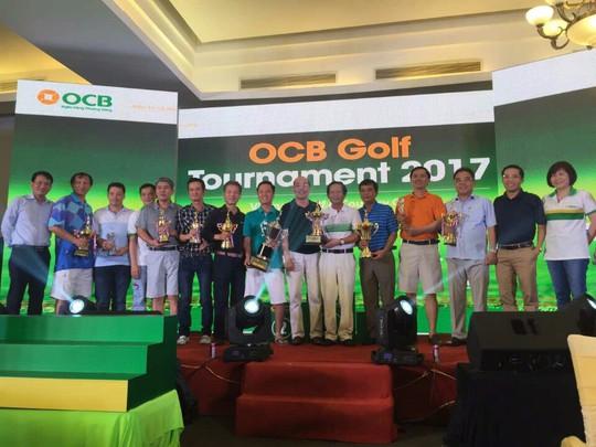 Trao thưởng Giải vô địch cho Golfer