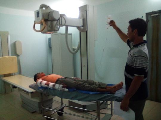 Anh S. đang được điều trị tại Bệnh viện Đa khoa Trà Vinh