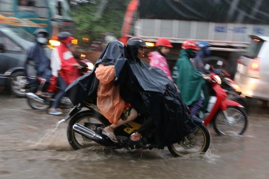 Hôm nay, TP HCM sẽ có mưa lớn - Ảnh 2.