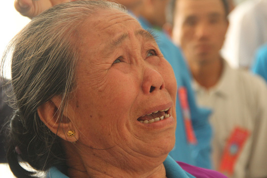 Khánh thành Khu tưởng niệm chiến sĩ Gạc Ma: Nước mắt tuôn rơi - Ảnh 8.