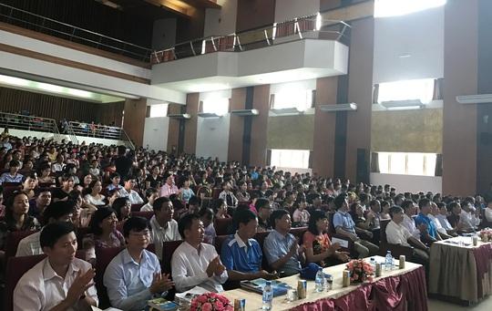 Lần đầu tiên tổ chức Ngày hội tư vấn cho công nhân - Ảnh 2.