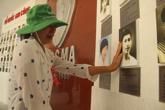 Khánh thành Khu tưởng niệm chiến sĩ Gạc Ma: Nước mắt tuôn rơi - Ảnh 11.