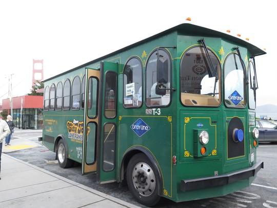 Xe buýt ở đây lúc nào cũng có màu thật bắt mắt