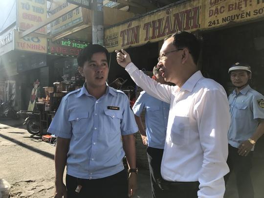 Ông Nguyễn Quốc Thái chủ trương quận dẹp vỉa hè nhưng không triệt đường sinh sống của người dân.