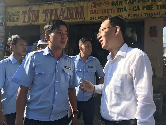 Theo ông Nguyễn Quốc Thái, chủ trương quận dẹp vỉa hè nhưng không triệt đường sinh sống của người dân.