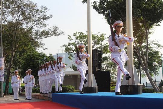 TP HCM long trọng tổ chức lễ thượng cờ ASEAN - Ảnh 1.