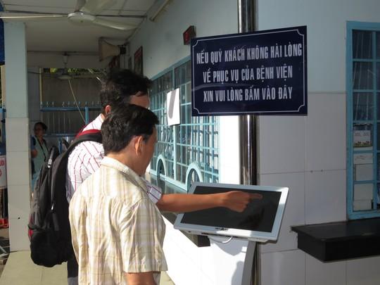 Người dân đang sử dụng hệ thống để đưa ra ý kiến của mình