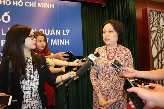 Bà Phạm Khánh Phong Lan trả lời báo chí sáng 11-3 (Ảnh: Phan Anh)