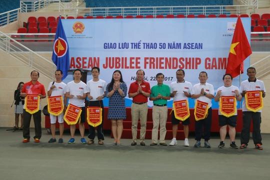 Xem các nhà ngoại giao ASEAN tỉ thí thể thao - Ảnh 7.