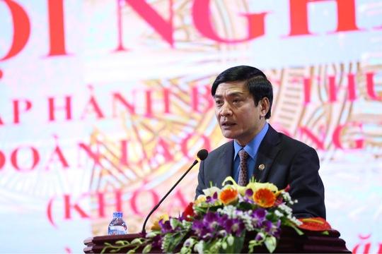 Uỷ viên Trung ương Đảng, Chủ tịch Tổng LĐLĐ Việt Nam Bùi Văn Cường phát biểu khai mạc hội nghị