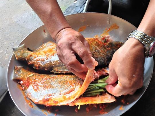 Thơm thơm, cay cay cá chim nướng muối ớt - Ảnh 5.