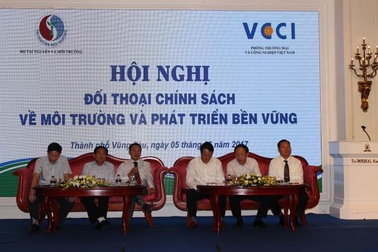 Thứ trưởng Bộ TN-MT lo Việt Nam thành... bãi rác! - Ảnh 1.