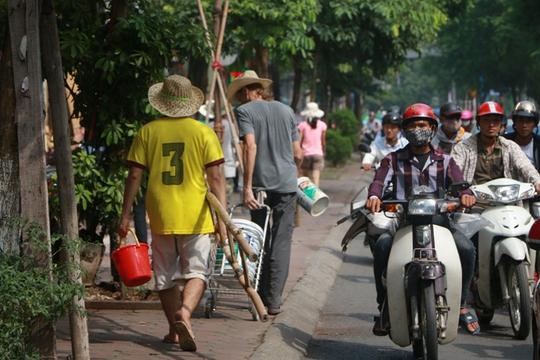 Gặp cựu binh Mỹ trở lại Hà Nội diệt… tường bẩn - Ảnh 3.