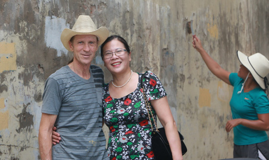 Gặp cựu binh Mỹ trở lại Hà Nội diệt… tường bẩn - Ảnh 13.