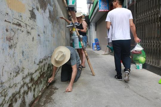 Gặp cựu binh Mỹ trở lại Hà Nội diệt… tường bẩn - Ảnh 5.