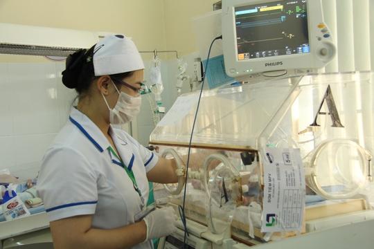 Cháu Y Đa Phúc đang được điều trị cách ly tại bệnh viện