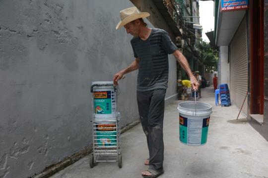 Gặp cựu binh Mỹ trở lại Hà Nội diệt… tường bẩn - Ảnh 9.